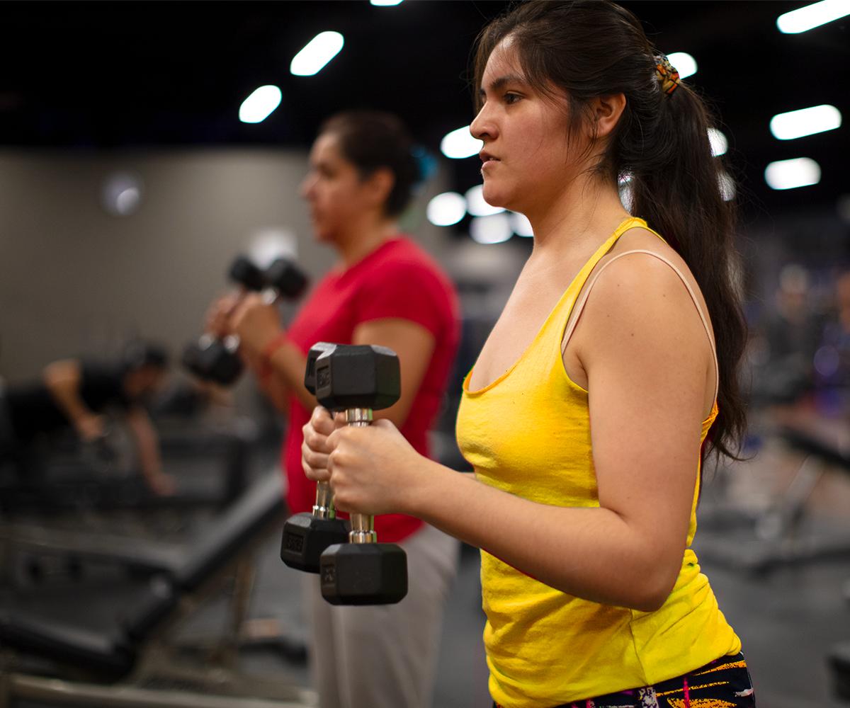 Conoce los beneficios de la fuerza muscular