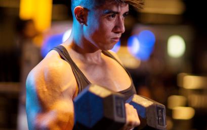 Curl de bíceps, la mejor forma de lograr unos brazos impresionantes