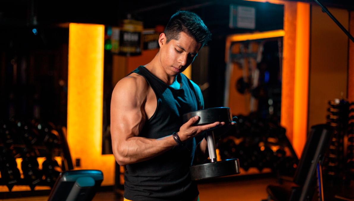 Tips y ejercicios para no perder masa muscular en cuarentena