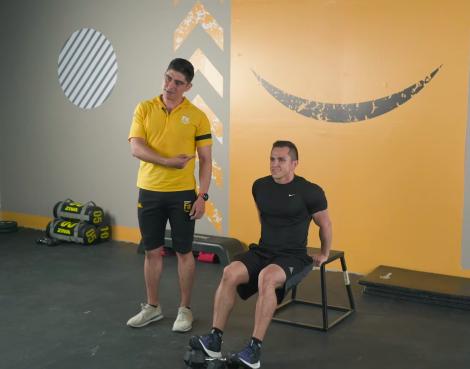 ejercicios de tríceps en casa fondos 01