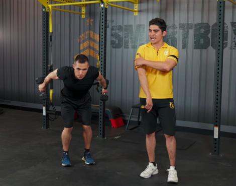 ejercicios de tríceps en casa patada 02