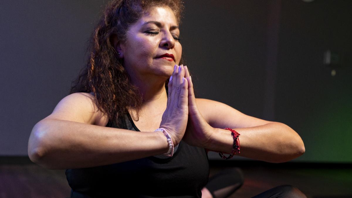 Rutinas de yoga para iniciarse durante la cuarentena