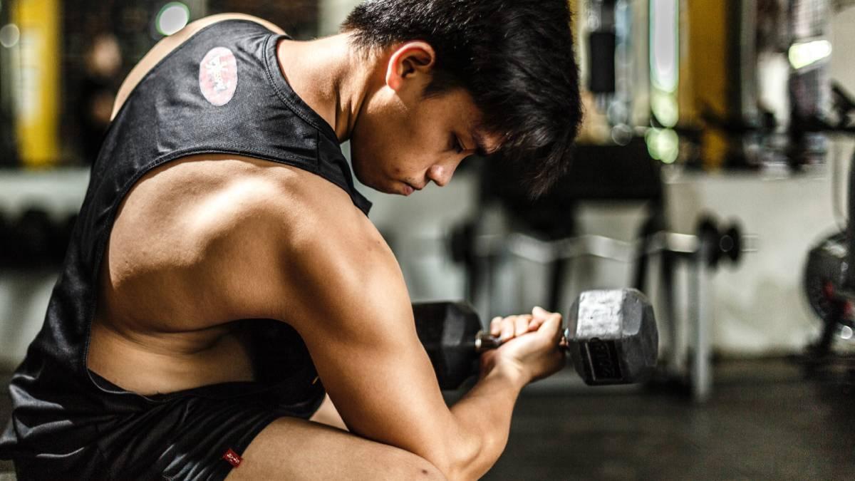 ¿Cómo deben ser las rutinas de gimnasio para adolescentes?