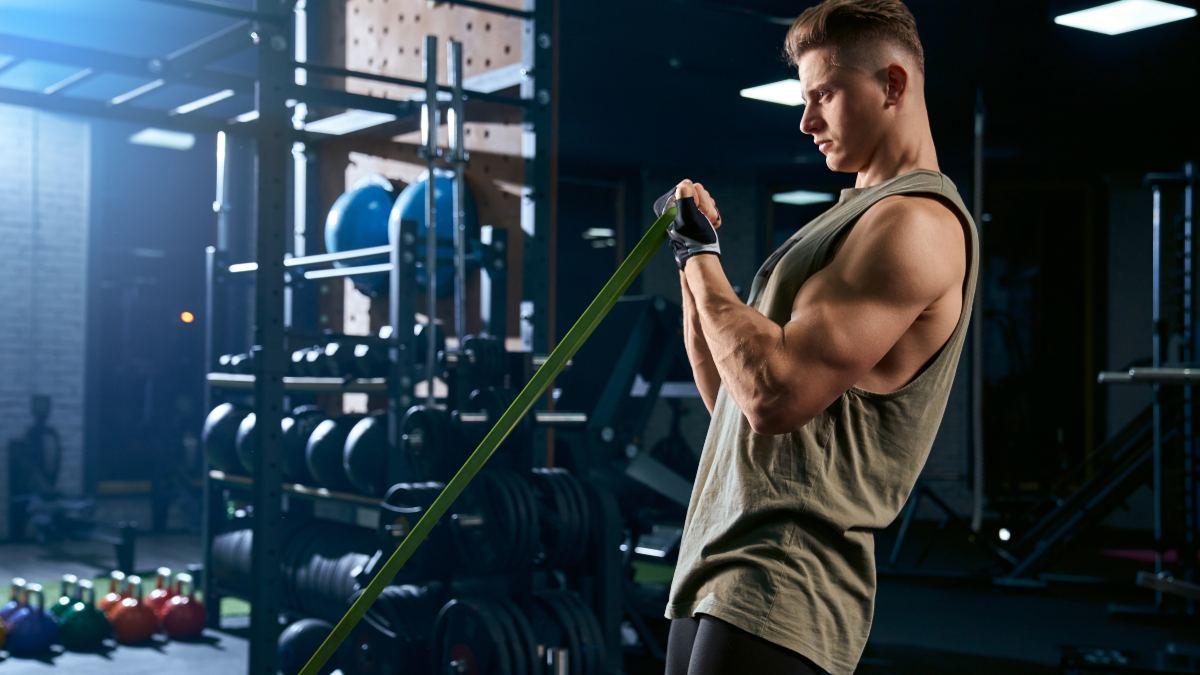 ¿Cómo intensificar tus ejercicios con ligas de resistencia?